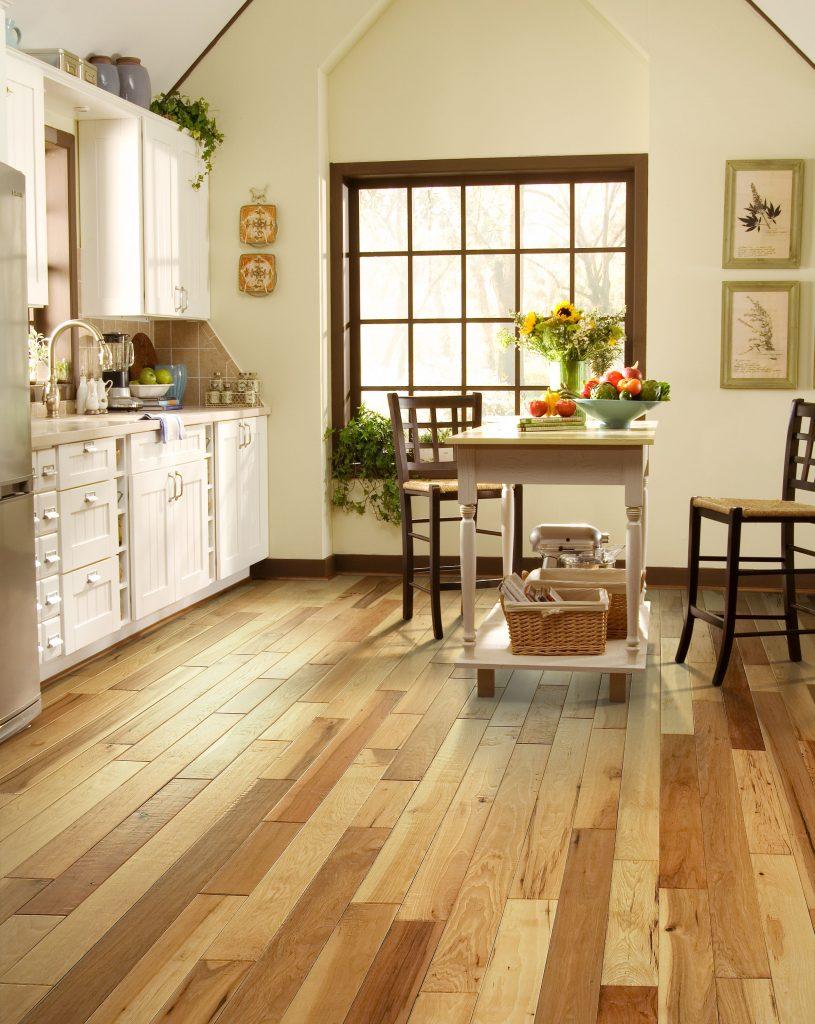 • HARDWOOD - Windsor 5in. 916 Natural Walnut, Cozumel 233 SouthernSun